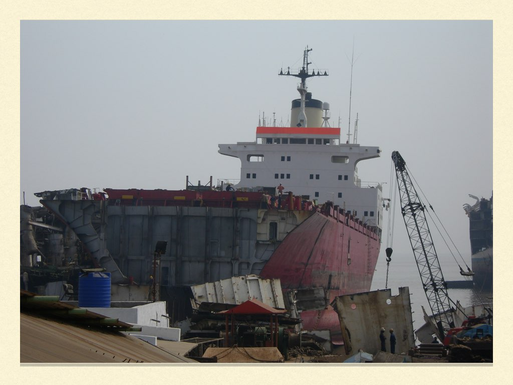 REPORTAGE SS NORWAY ALANG.010