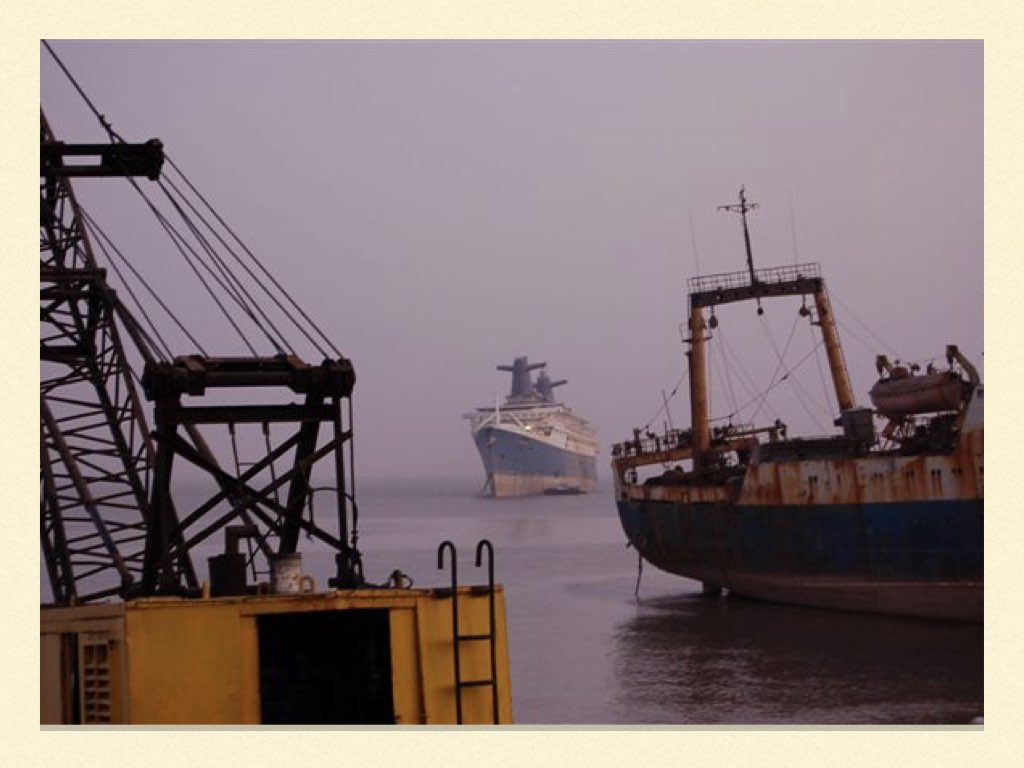 REPORTAGE SS NORWAY ALANG.011
