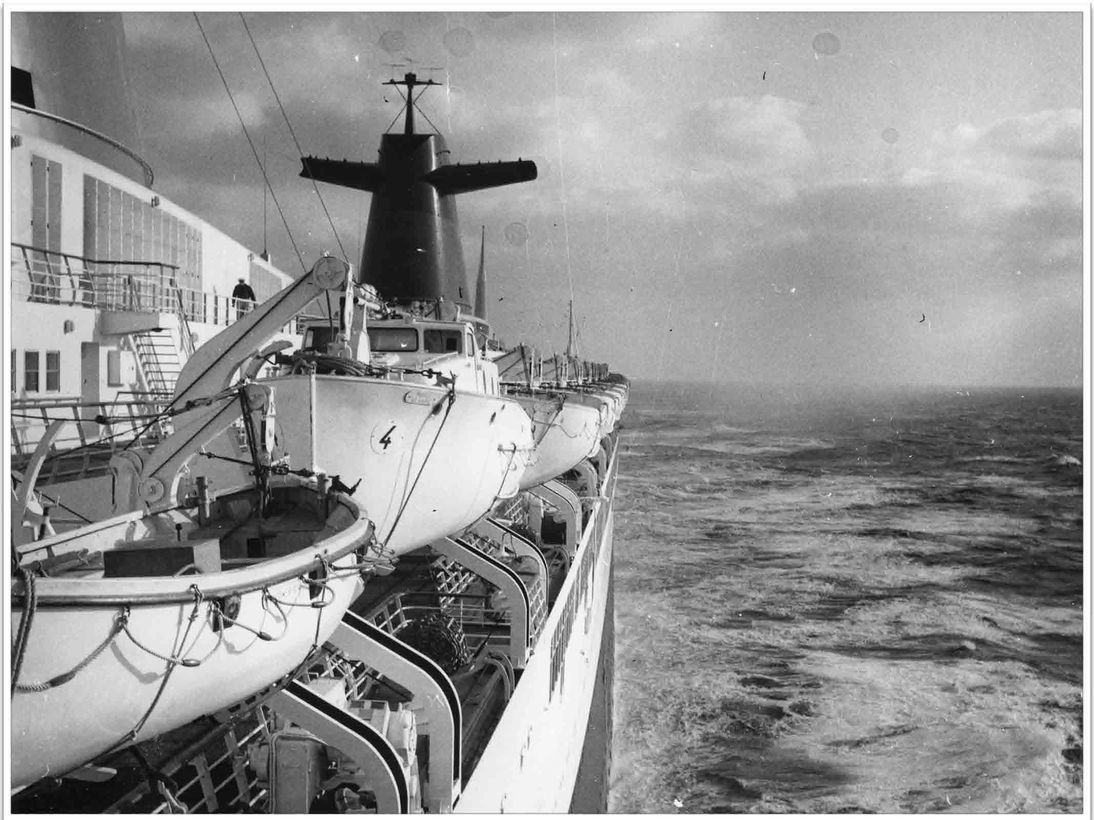 PAQUEBOT DE LEGENDE- SS FRANCE _Page_57