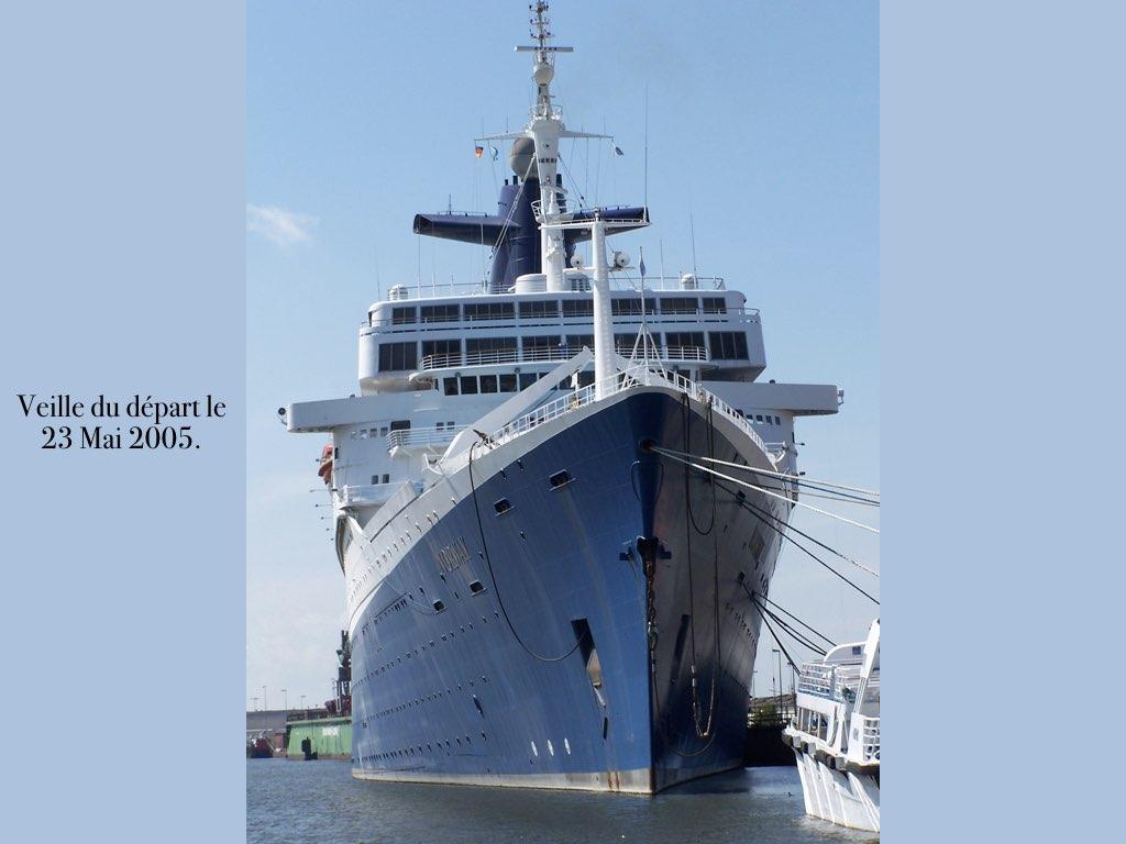 REPORTAGE-25 MAI 2005-DERNIER DÉPART DU SS NORWAY BREMERHAVEN..004