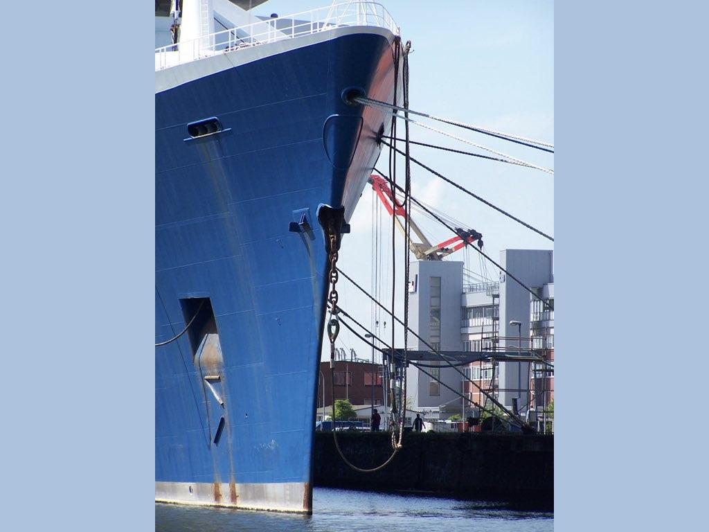 REPORTAGE-25 MAI 2005-DERNIER DÉPART DU SS NORWAY BREMERHAVEN..005