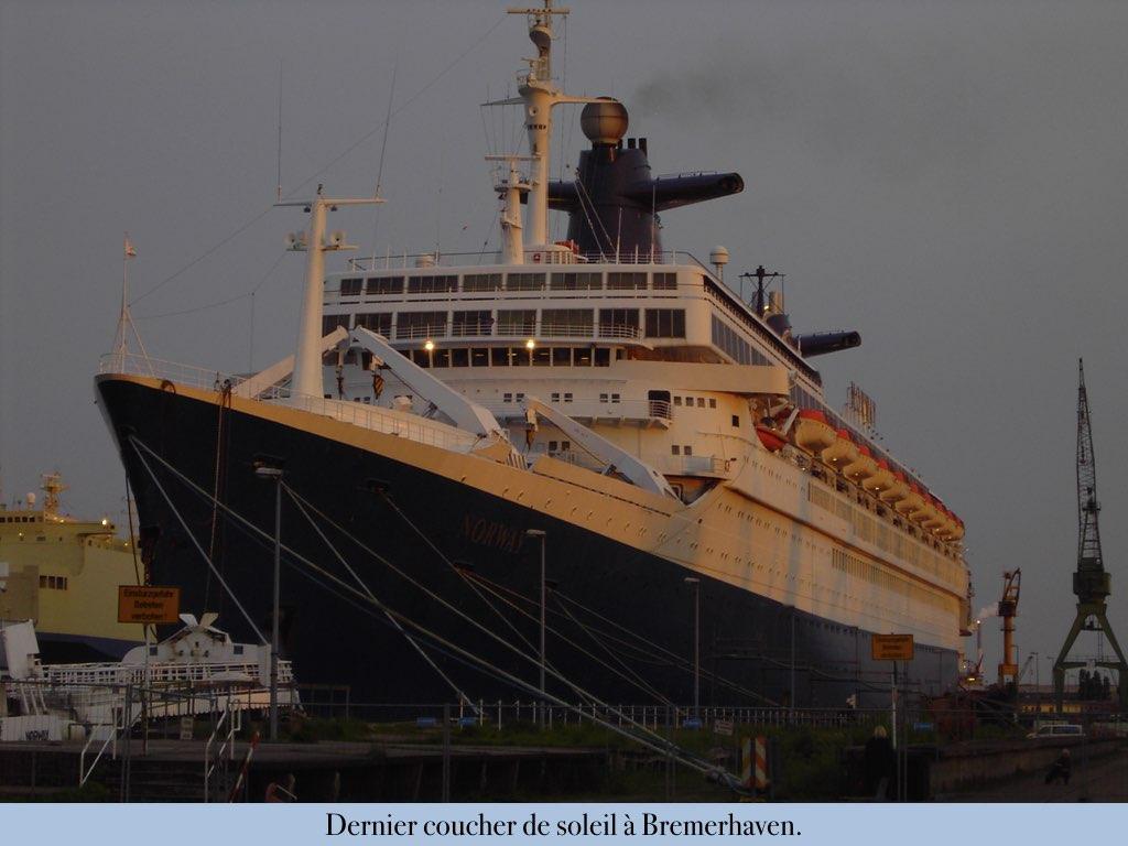 REPORTAGE-25 MAI 2005-DERNIER DÉPART DU SS NORWAY BREMERHAVEN..014