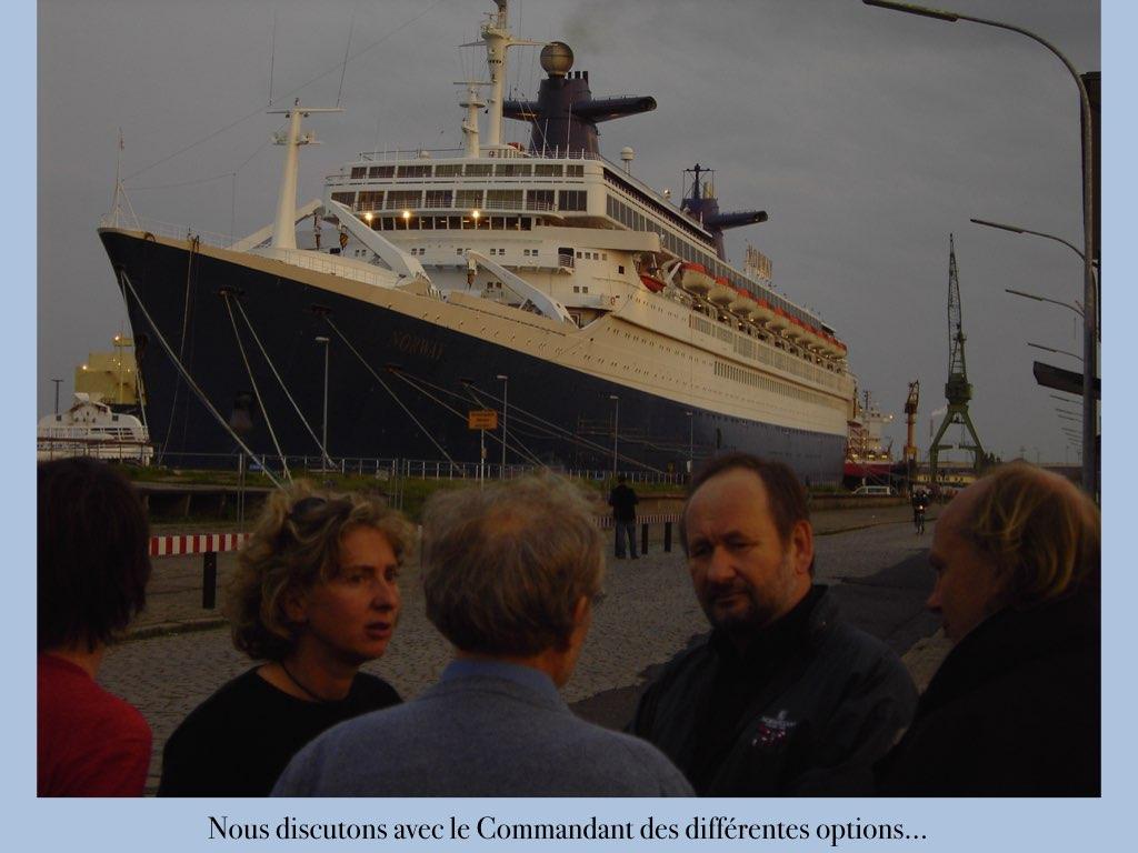 REPORTAGE-25 MAI 2005-DERNIER DÉPART DU SS NORWAY BREMERHAVEN..015