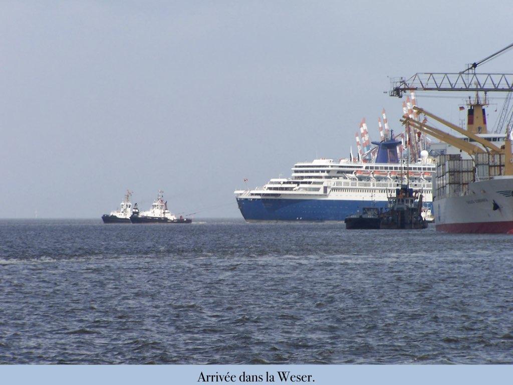 REPORTAGE-25 MAI 2005-DERNIER DÉPART DU SS NORWAY BREMERHAVEN..034