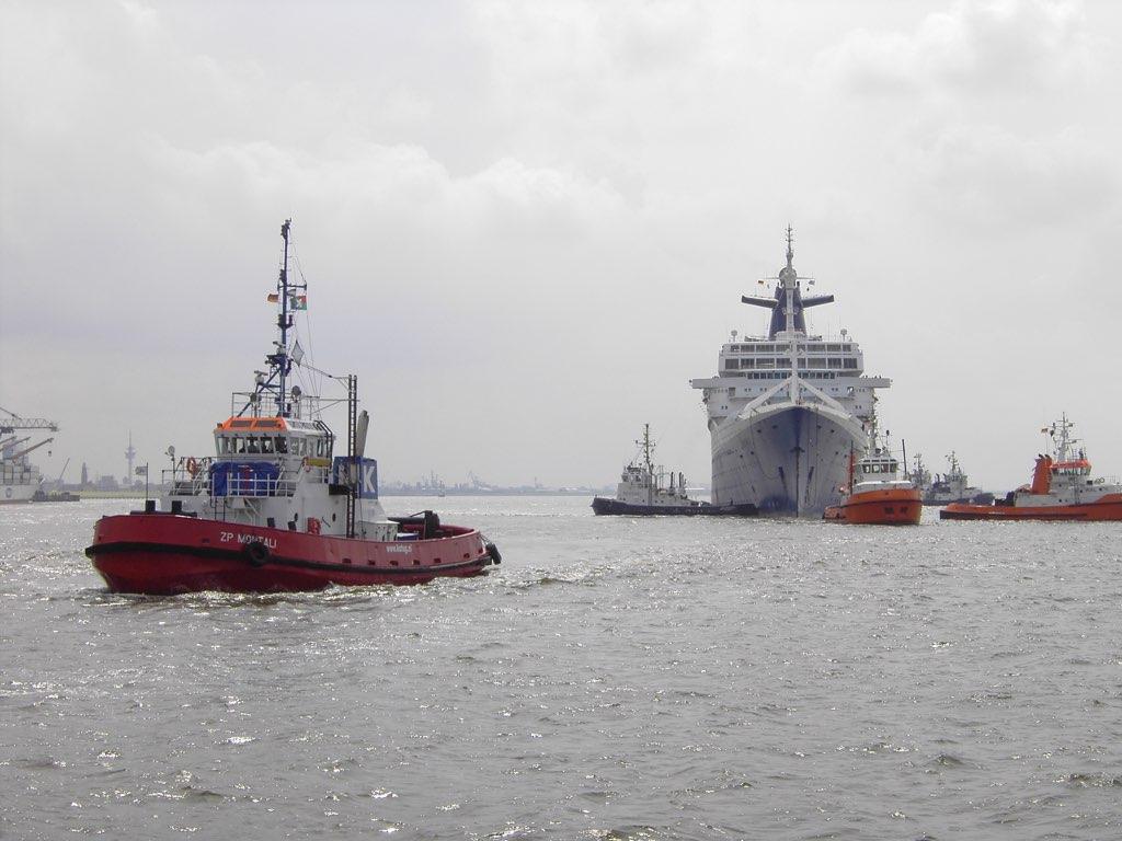 REPORTAGE-25 MAI 2005-DERNIER DÉPART DU SS NORWAY BREMERHAVEN..038
