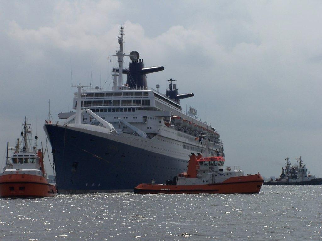 REPORTAGE-25 MAI 2005-DERNIER DÉPART DU SS NORWAY BREMERHAVEN..041
