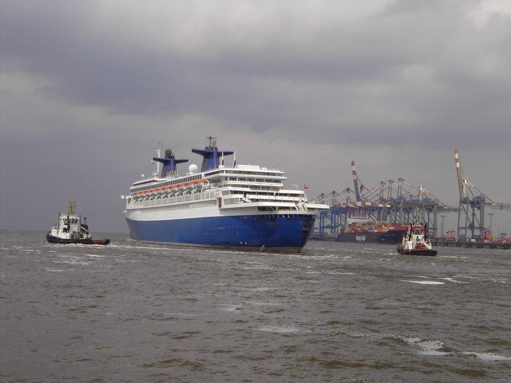REPORTAGE-25 MAI 2005-DERNIER DÉPART DU SS NORWAY BREMERHAVEN..050