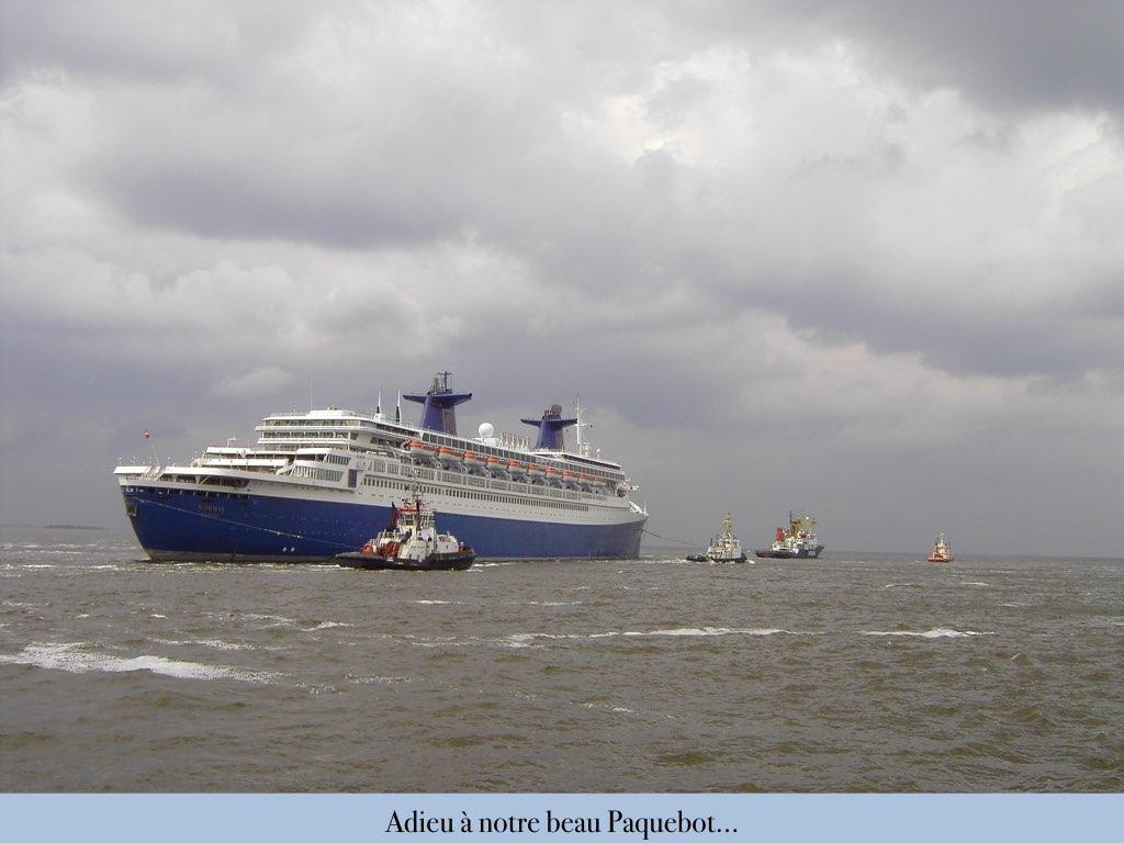 REPORTAGE-25 MAI 2005-DERNIER DÉPART DU SS NORWAY BREMERHAVEN..051