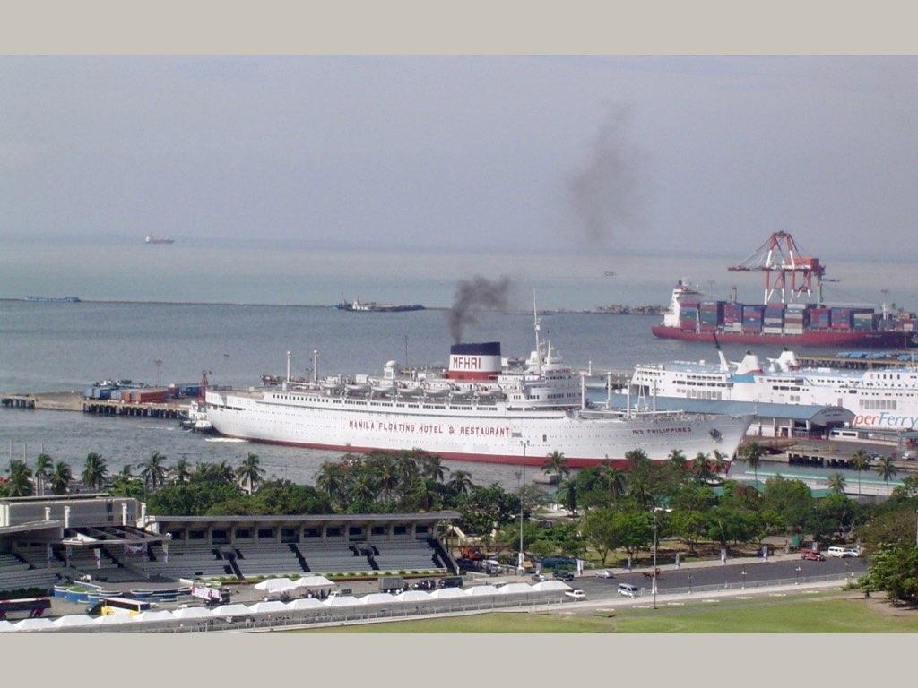 REPORTAGE- AUGUSTUS-M_S PHILIPPINE À MANILLE..028