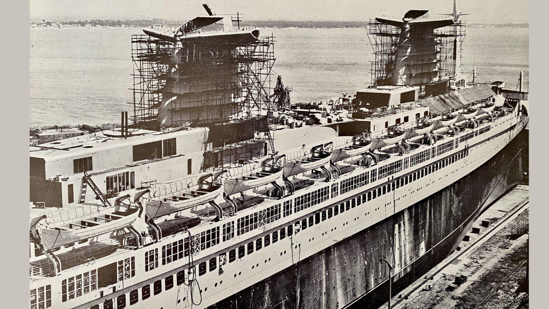 PAQUEBOT DE LÉGENDE-CONSTRUCTION DU SS FRANCE..012
