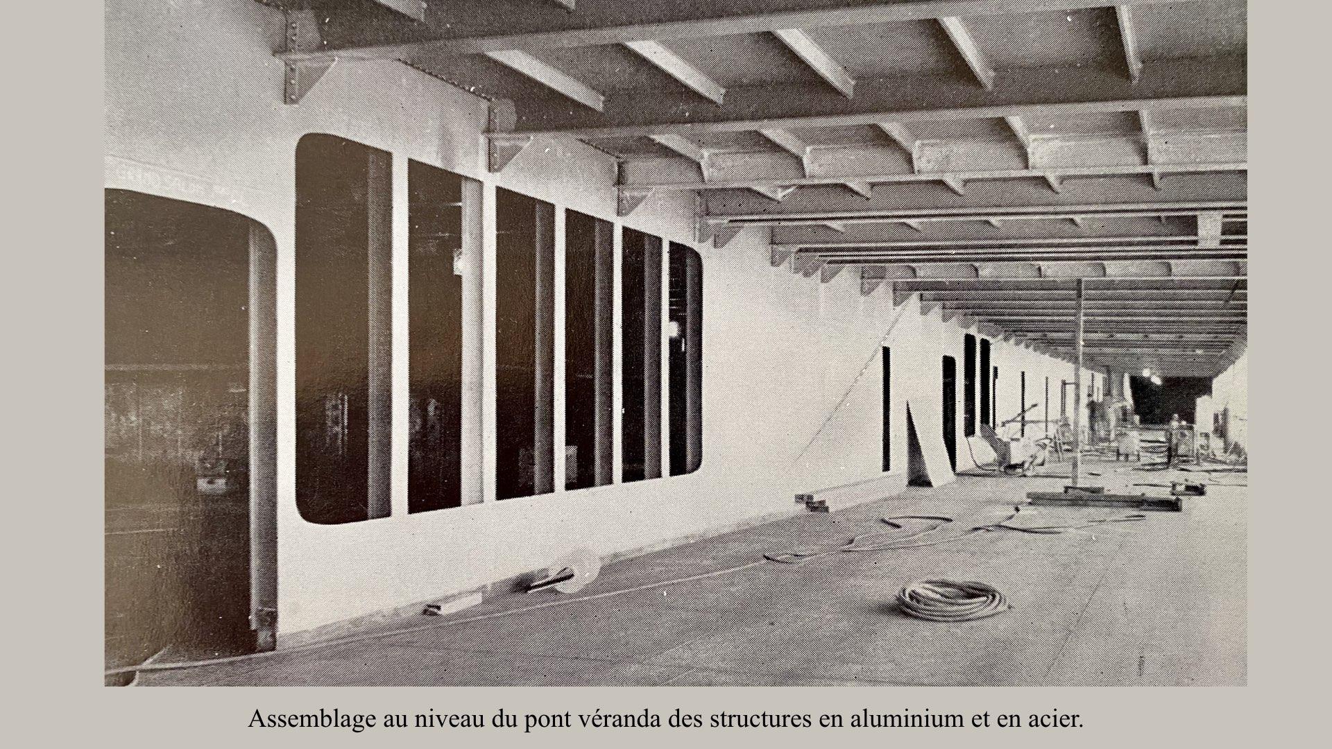 PAQUEBOT DE LÉGENDE-CONSTRUCTION DU SS FRANCE..020