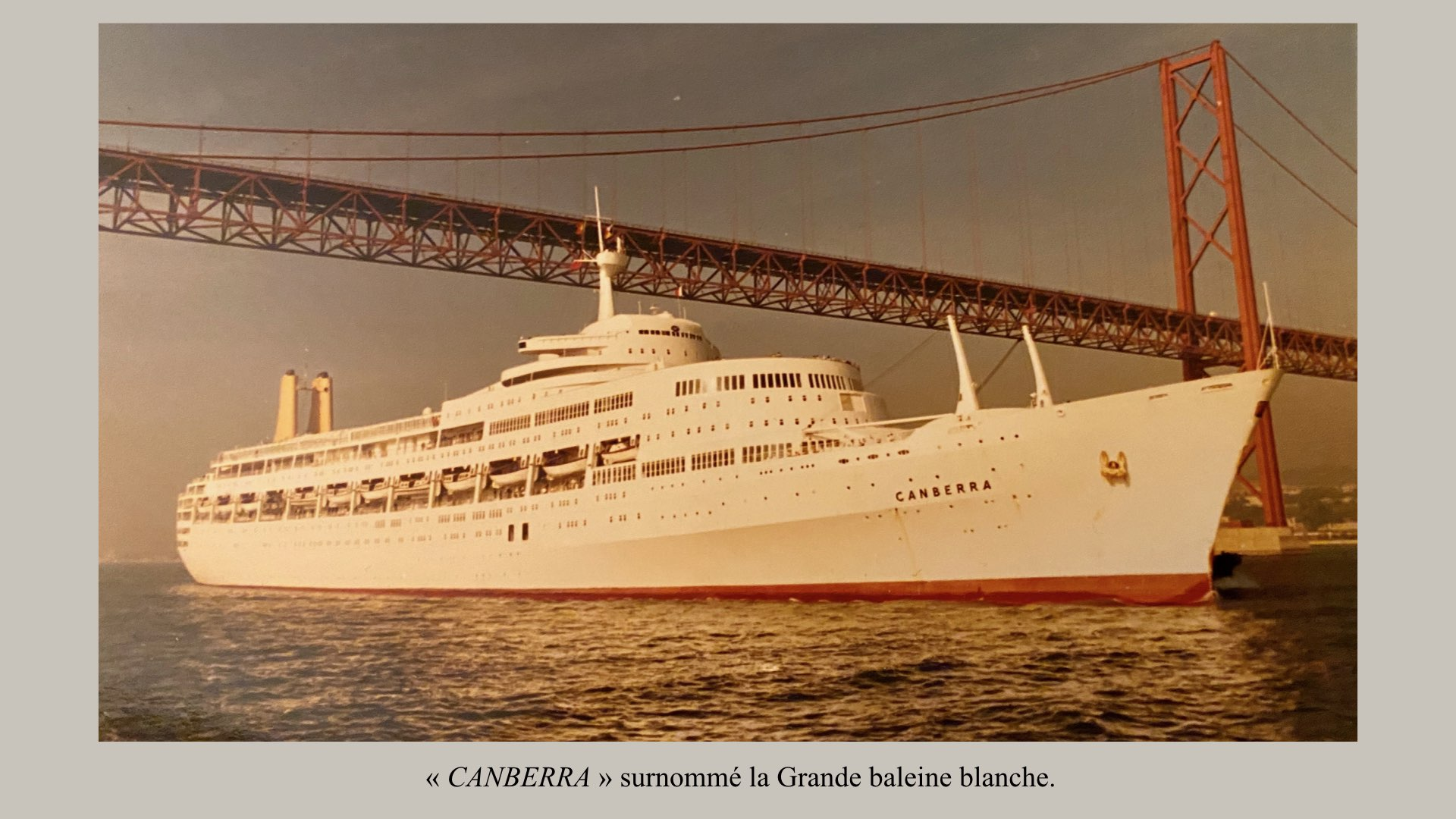 PAQUEBOT DE LÉGENDE- SS CANBERRA..004