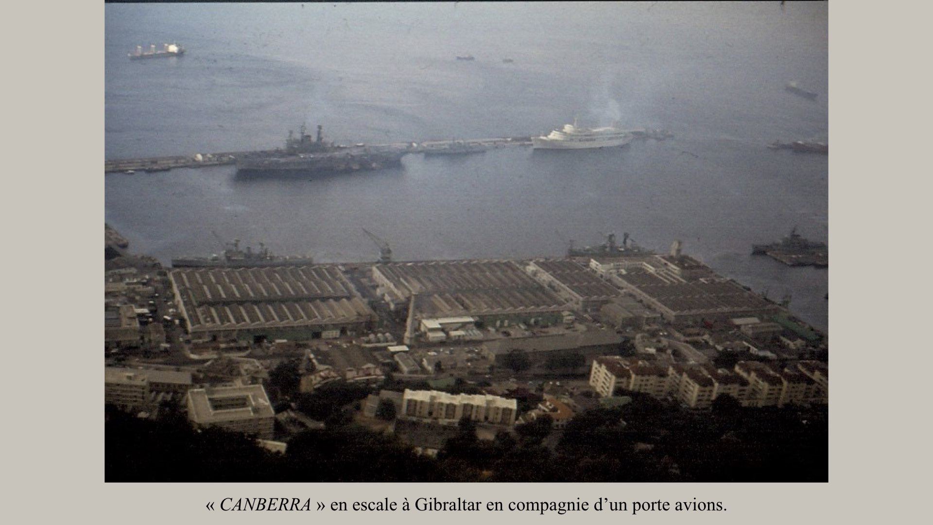 PAQUEBOT DE LÉGENDE- SS CANBERRA..015